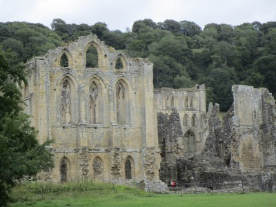 Rievaulx Abbey dog-friendly visit, Yorkshire - Driving with Dogs