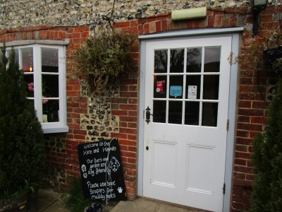 South Downs dog-friendly pub and dog walk, West Sussex - Driving with Dogs