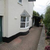 M4 dog-friendly pub and dog walk near Hungerford, Berkshire - Berkshire dog walk and dog friendly pub