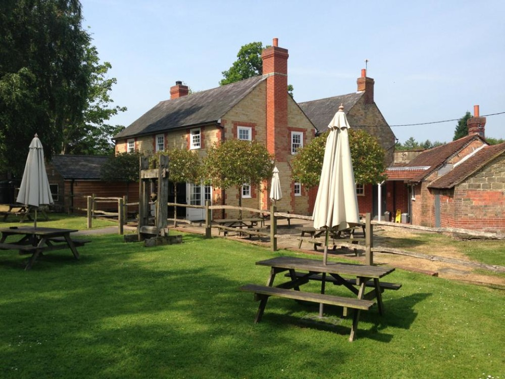 A23 dog-friendly pub and walks, West Sussex - Sussex dog-friendly pub and dog walk