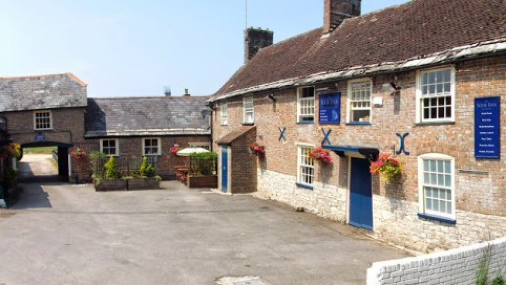 A352 doggiestop with walk and pub near Dorchester, Dorset - Dorset dog-friendly pub and dog walk