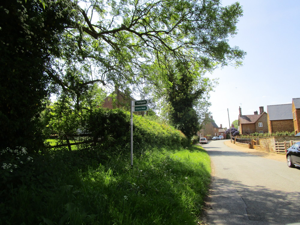 M1 Junction 16 dog-friendly pub and dog walk, Northamptonshire - Dog walks in Northamptonshire