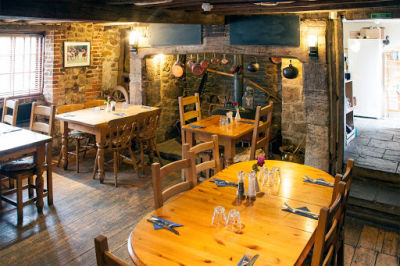 A272 dog-friendly pub and dog walk in the South Downs, West Sussex - Driving with Dogs
