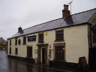 White Peak dog walk and dog-friendly pub, Youlgreave, Derbyshire - Driving with Dogs