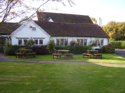 Balsall Common dog-friendly pub and dog walk, West Midlands - Driving with Dogs