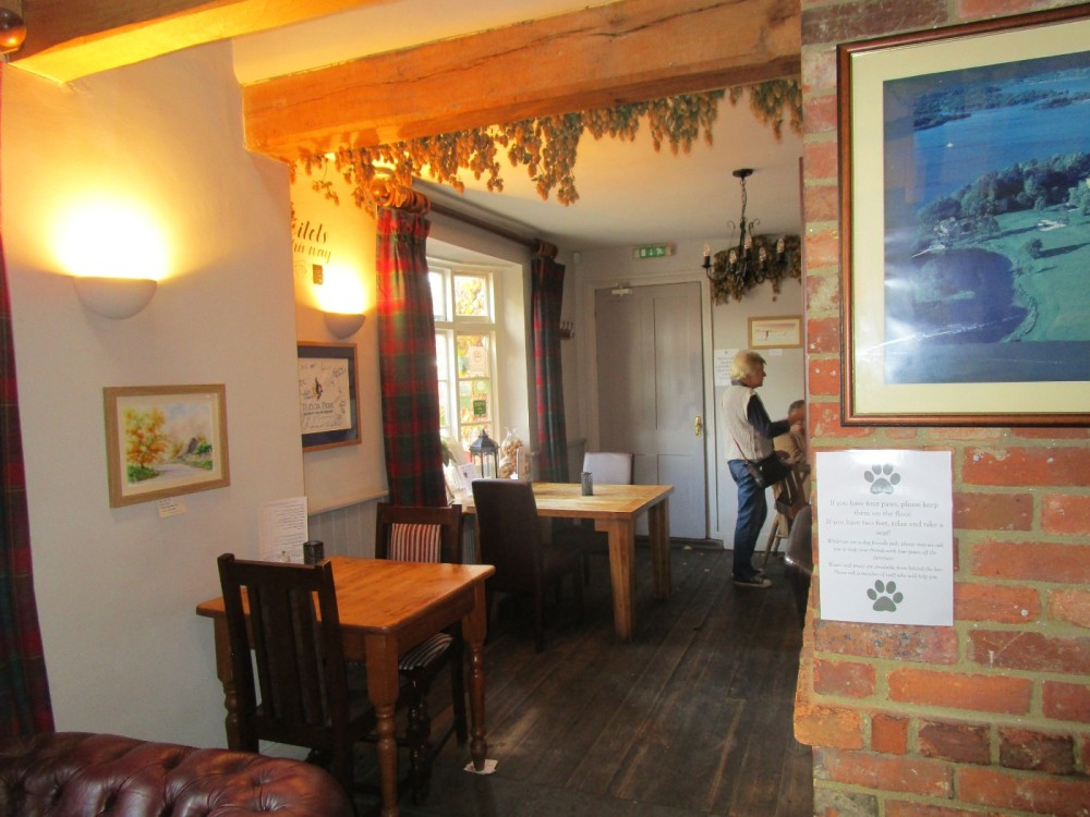 Dog-friendly pub near Pluckley, Kent - Kent dog-friendly pubs with dog walks