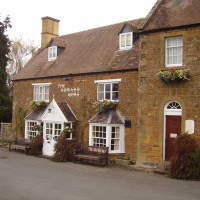 Warwickshire Cotswolds dog-friendly pub and dog walk, Warwickshire - Dog walks in Warwickshire