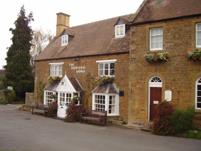 Warwickshire Cotswolds dog-friendly pub and dog walk, Warwickshire - Driving with Dogs