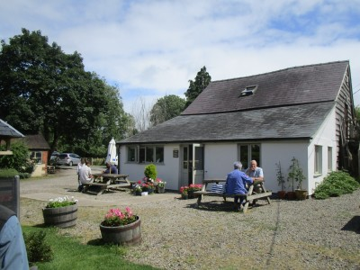 A44 Summer cafe and doggie stroll, Herefordshire - Driving with Dogs
