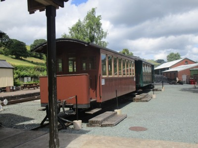 A458 Brief encounter and dog walk near Welshpool, Wales - Driving with Dogs