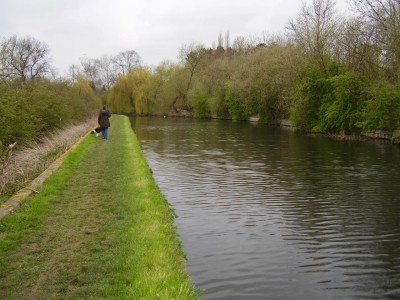 M1 Junction 24 towpath walk and dog-friendly pub, Nottinghamshire - Driving with Dogs