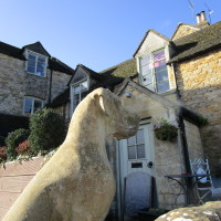 Longborough dog-friendly pub and dog walk, Gloucestershire - Dog walks in Gloucestershire