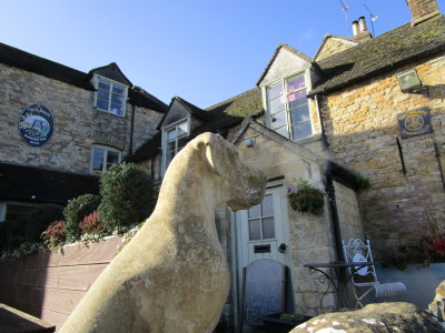Cotswold dog-friendly village pub and dog walk, Gloucestershire - Driving with Dogs