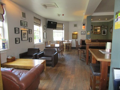 A6 dog-friendly pub with dog field, Leicestershire - Driving with Dogs