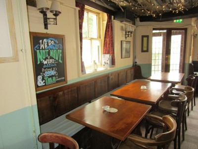 Village pub and dog walk near Eastbourne, East Sussex - Driving with Dogs