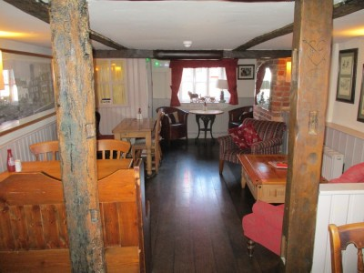 A351 dog-friendly pub near Wareham, Dorset - Driving with Dogs