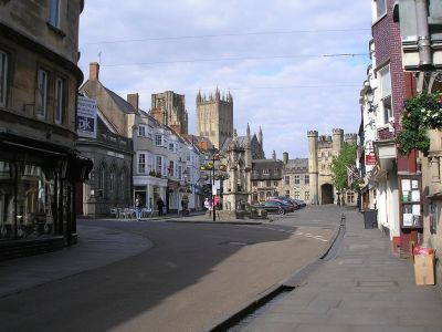 Dog-friendly walks and eating out in Wells, Somerset - Driving with Dogs