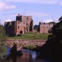 Picturesque castle dog stroll, Cumbria