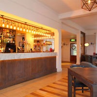 M3 dog-friendly pub and dog walk near Southampton, Hampshire - Hampshire dog-friendly pub and dog walk