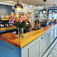 Dog-friendly country eating pub on the way to Colchester, Essex - Essex dog-friendly pub and dog walk
