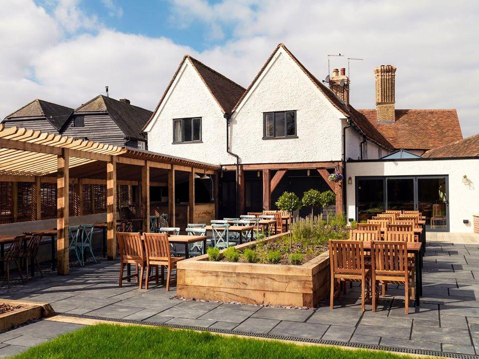 A10 dog-friendly pub and dog walk, Hertfordshire - Pub photo.jpg