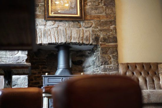 A40 dog walk and dog-friendly pub by the Brecon Beacons, Wales - Brecon Beacons dog-friendly pub.jpg