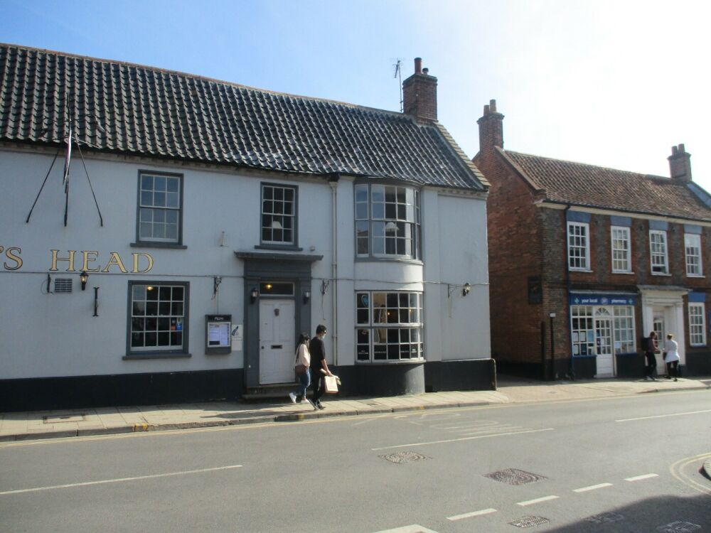 A148 Exploring Holt with a dog-friendly pub and shops, Norfolk - Norfolk dog-friendly pubs on the A148