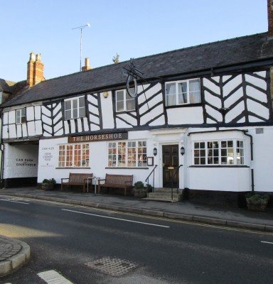 A3400 traditional pub and dog walk, Warwickshire - Driving with Dogs