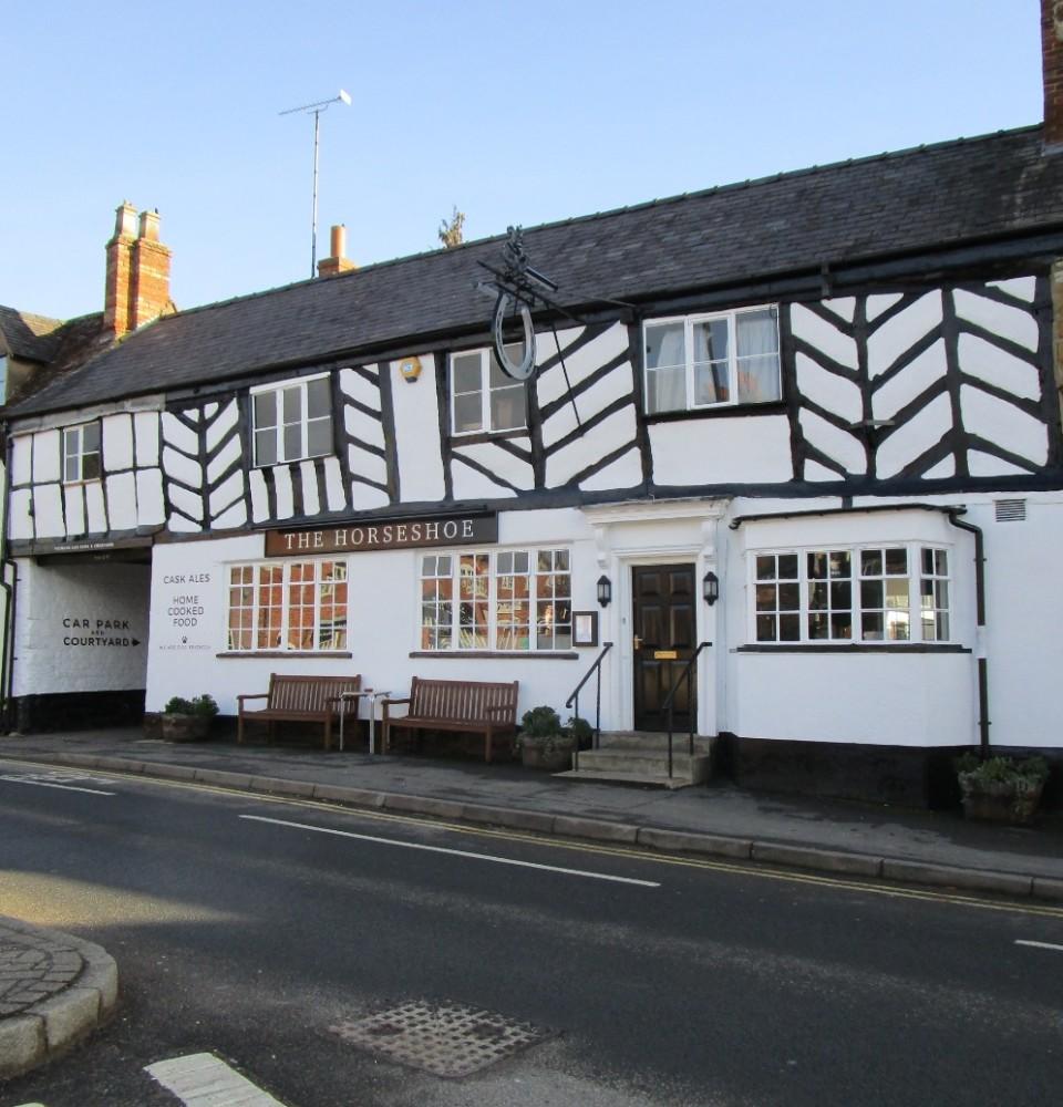 A3400 traditional pub and dog walk, Warwickshire - Warwickshire dog-friendly pubs.JPG