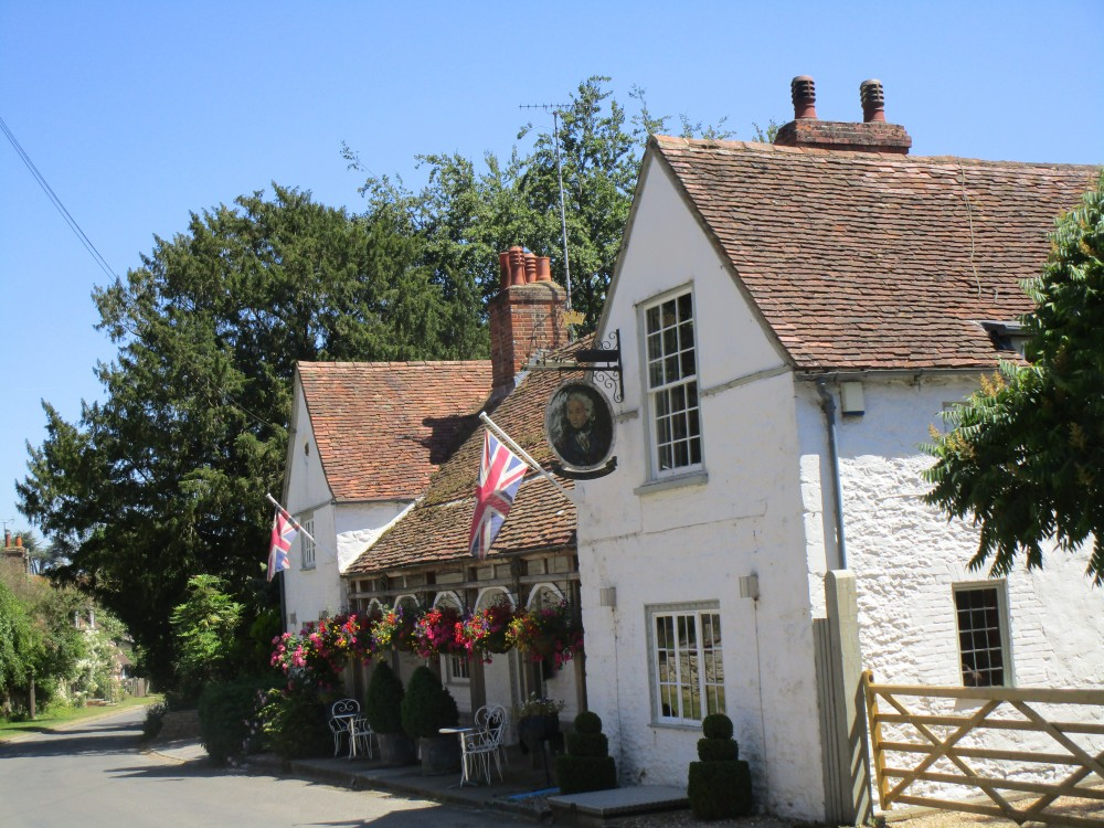 M40 Junction 6 dog walk and dog-friendly pub, Oxfordshire - Oxfordshire dog walk with dog-friendly inn