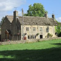 A417 dog friendly pub and dog walk near Cirencester, Gloucestershire - Dog walk and dog-friendly pub Gloucestershire..JPG