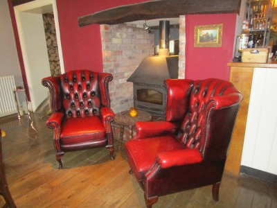 A483 dog-friendly inn and dog walk near Montgomery, Powys, Wales - Driving with Dogs