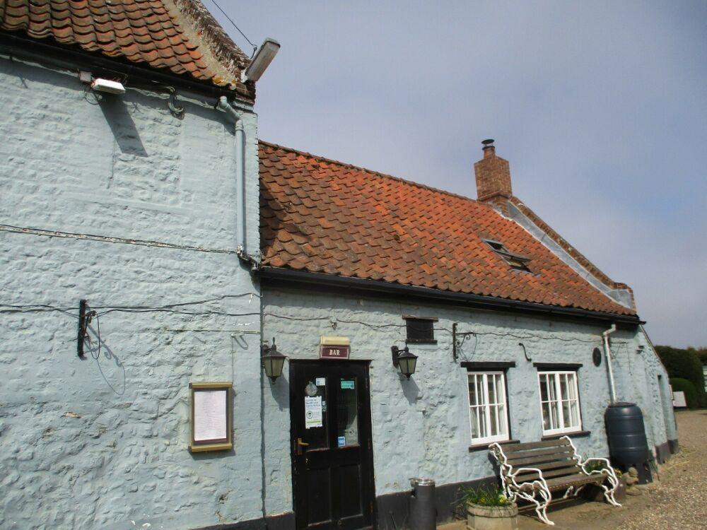A149 dog walk, beach and dog-friendly pub, Norfolk - Norfolk dog-friendly pubs with dog walks.JPG