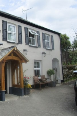 A361 dog-friendly dining pub and dog walk, Devon - Driving with Dogs