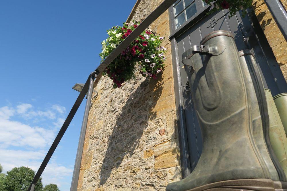 A37 dog-friendly pub and walk near Yeovil, Somerset - Somerset dog-friendly pubs and dog walk.jpg