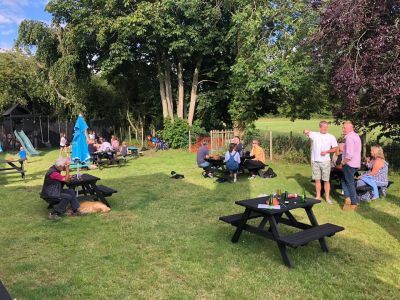 Dog-friendly pub and dog walk in idyllic countryside, Essex - Driving with Dogs