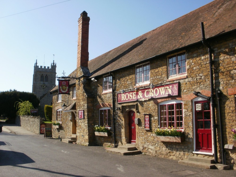 A37 Doggiestop near Yeovil, Dorset - Dorset dog-friendly pub and dog walk