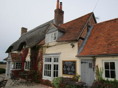 M4 dog friendly pub and dog walk near Newbury, Berkshire - Driving with Dogs