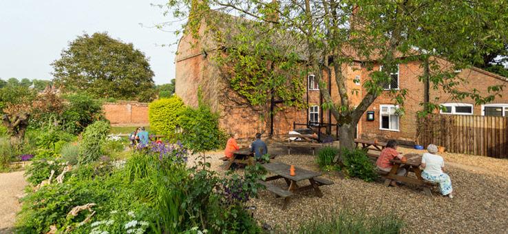 A140 country estate dog walks, B&B, a cafe and a pub, Norfolk - Dog-friendly pub and dog walk near Aylsham