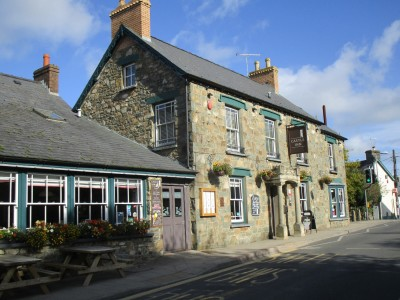 A487 Parrog dog walk and dog-friendly inn, Wales - Driving with Dogs
