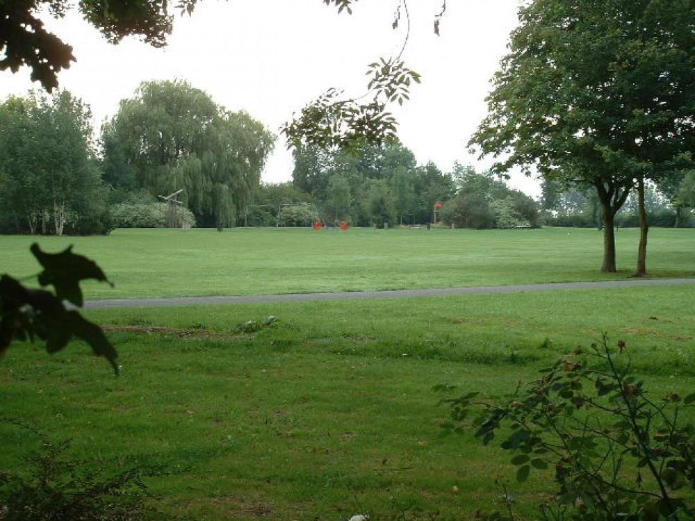 Knighton dog walk near Oadby, Leicestershire - Dog walks in Leicestershire