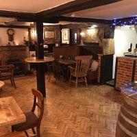 A321 dog friendly pub and dog walk near Reading, Berkshire - Berkshire dog walk and dog friendly pub
