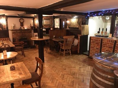 A321 dog friendly pub and dog walk near Reading, Berkshire - Driving with Dogs