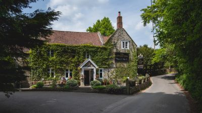 Upton Cheyney dog-friendly pub, Gloucestershire - Driving with Dogs