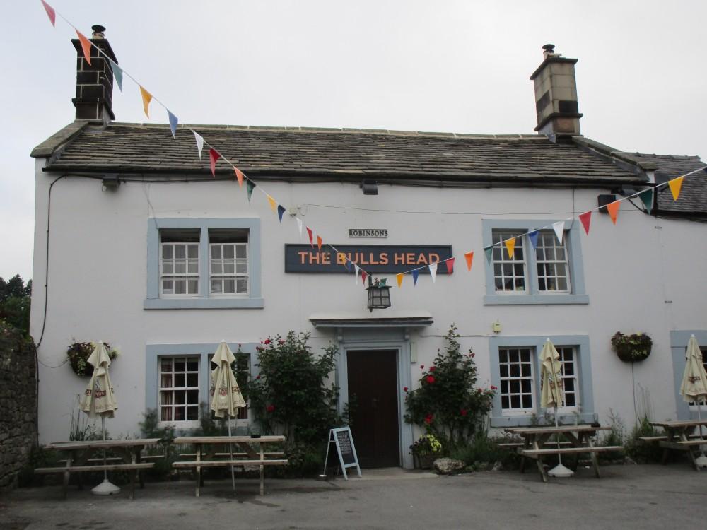 Ashford-in-the-Water dog walk and dog-friendly refreshments, Derbyshire - White-Peak-dog-friendly-pub-and-dog-walk