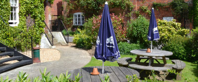 M3 Jct 12 dog walk and dog-friendly pub, Hampshire - Driving with Dogs