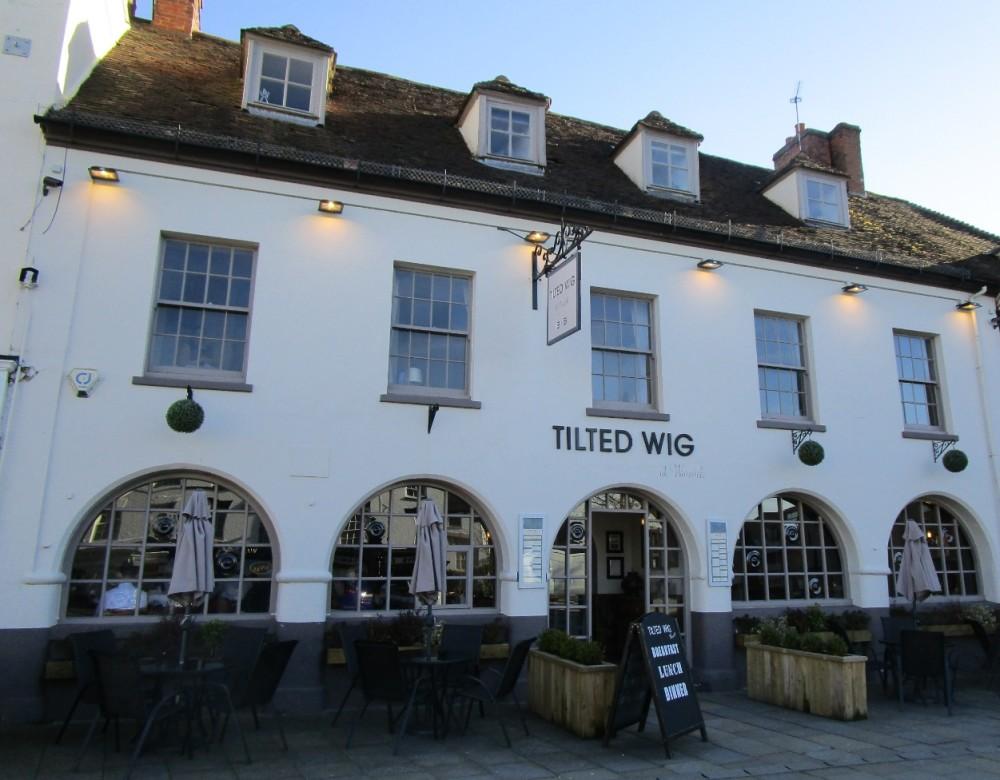 Warwick dog-friendly pub