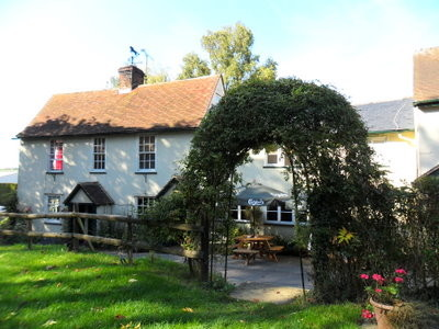 Country pub with a dog walk, Hertfordshire - Hertfordshire dog friendly pub and dog walk.jpg