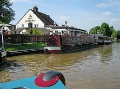 Canalside pub and dog walk near Nantwich, Cheshire - Driving with Dogs
