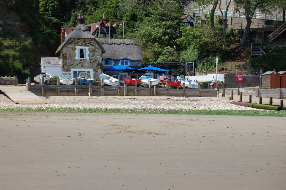 Appley dog-friendly beach, Isle of Wight - Dog walks on the Isle of Wight
